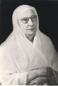 Photo of Fatima al-Yashrutiyya taken from the Fons Vitae website